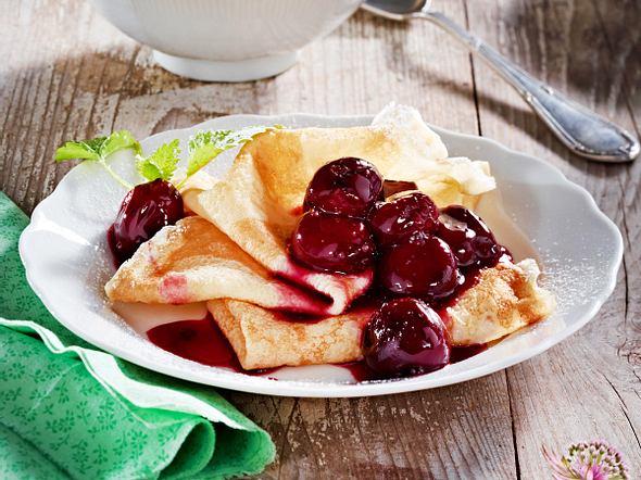 Pfannkuchen mit Kirsch-Kompott Rezept