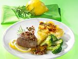 Pfeffer-Steak mit Broccoli und Kartoffelgratin (für 1 Person) Rezept