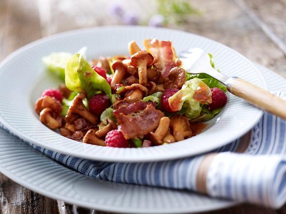 Pfifferlingssalat mit Himbeeren Rezept