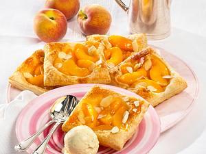 Pfirsich-Blätterteig-Teilchen Rezept