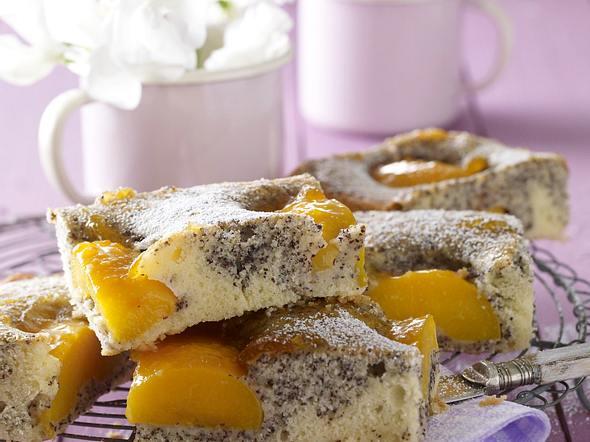 Pfirsich-Mohn-Kuchen vom Blech Rezept