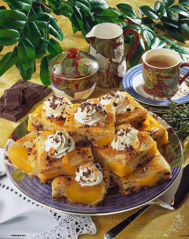 pfirsichkuchen mit schokolade und mandeln rezept lecker. Black Bedroom Furniture Sets. Home Design Ideas