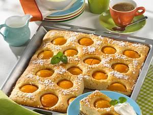 Pfirsichkuchen vom Blech mit Hagelzucker Rezept