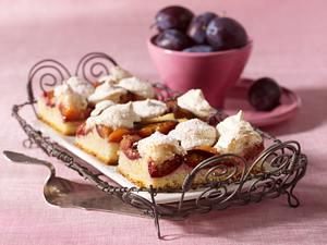 Pflaumenkuchen mit Kokosbaiser Rezept