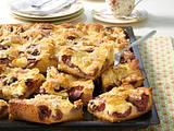 Pflaumenkuchen vom Blech mit Puddingcreme Rezept