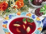 Pflaumensuppe mit Grießnocken Rezept
