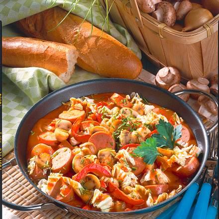 Pilz-Paprika-Pfanne mit Würstchen Rezept
