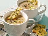 Pilzcremesuppe mit Thymian-Parmesan-Chips Rezept