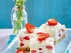 Pina Colada-Erdbeer-Torte Rezept