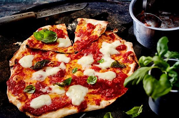 Pizza Margherita mit Burrata Rezept