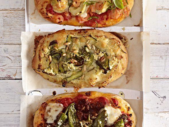 Pizza mit Garnelen und Artischocken Rezept