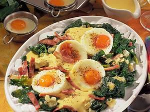 Pochierte Eier auf Spinat Rezept