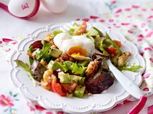 Pochiertes Ei auf Avocadosalat mit Flusskrebsen Rezept