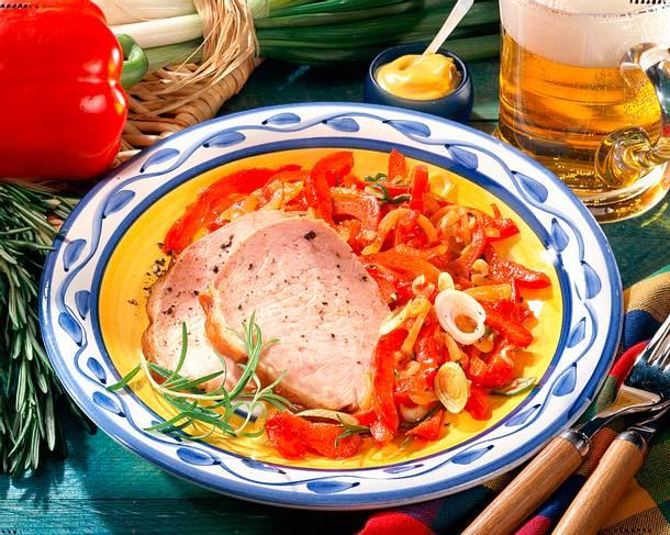 Pochiertes Kasseler mit Paprika-Gemüse Rezept