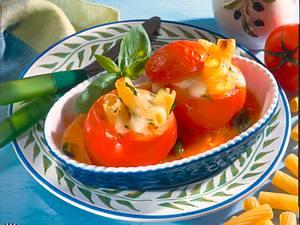 Pomodori con Pasta (Tortiglioni in Fleischtomate) Rezept