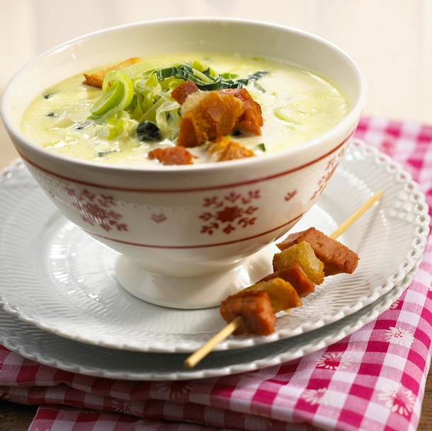 Porree-Creme-Suppe mit Leberkäse-Croûtons Rezept