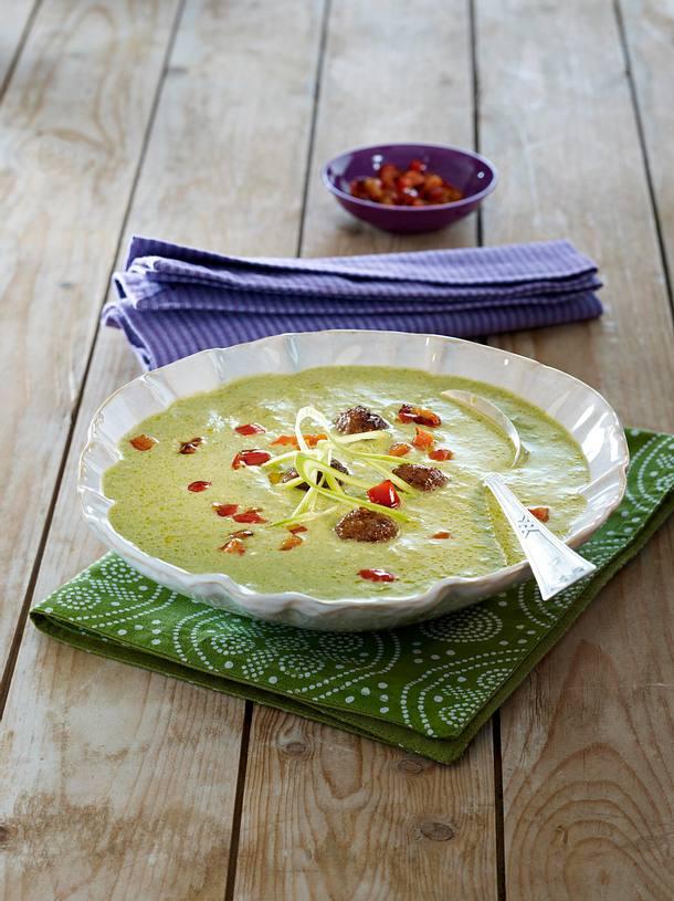 Porree-Suppe mit pikanten Hackbällchen Rezept