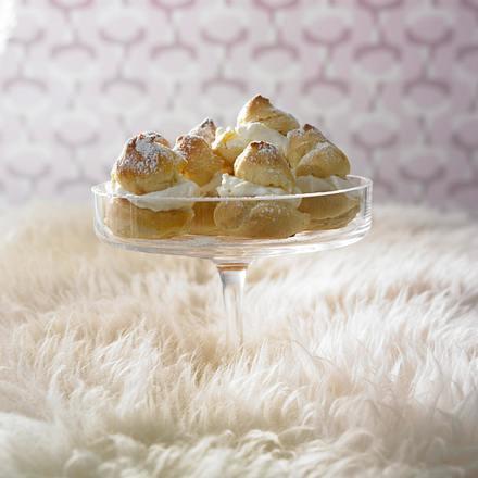 Profiterol mit Vanillesahne und Schokolade Rezept