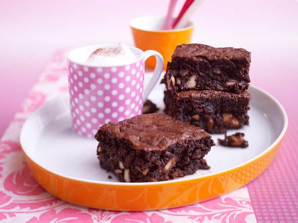 Promi: Easy Chocolate and courgette brownies (Schokoladen-Zucchini Brownies) Rezept