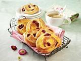 Pudding-Kirsch-Schnecken Rezept