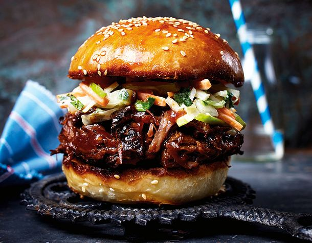 pulled beef burger mit apfel coleslaw rezept lecker. Black Bedroom Furniture Sets. Home Design Ideas
