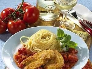 Puten-Piccata mit Salsa Verde und Tomaten-Rucolasalat á la Martin Baudrexel Rezept