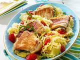 Puten-Saltimbocca mit Tomaten-Frischkäse-Nudeln Rezept
