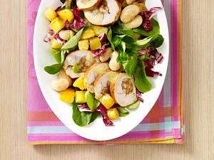 Putenbrust auf Wintersalat mit Kartoffelvinaigrette (gefüllte Putenfilets aus dem Kühlregal) Rezept