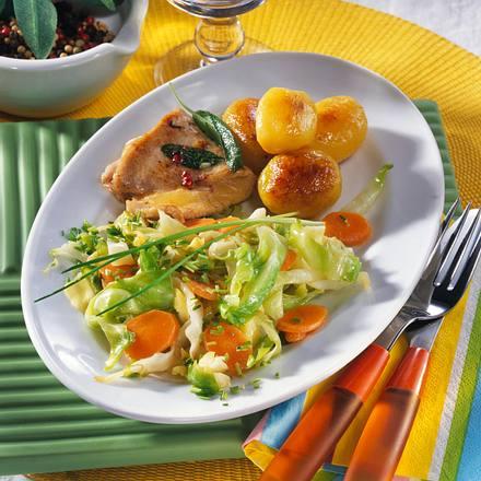 Putenschnitzel mit Käse & Schmorkohl Rezept