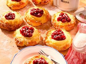 Quarkküchlein mit Vanille-Kirschfüllung Rezept