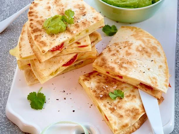 Quesadilla caprese mit Guacamole Rezept