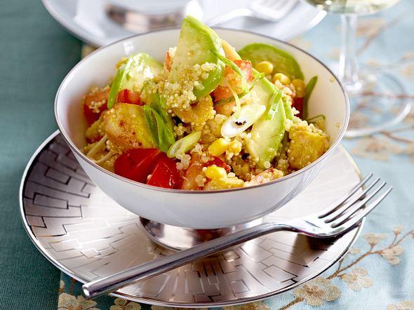 Quinoa-Salat mit Avocado und Hähnchen Rezept