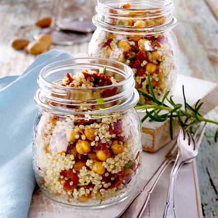 quinoa salat mit getrockneten tomaten rezept lecker. Black Bedroom Furniture Sets. Home Design Ideas