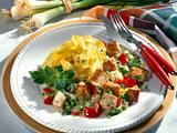 Rahm-Gulasch mit Paprika und Erbsen Rezept