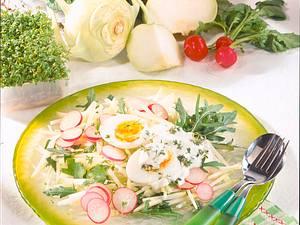 Rauke-Kohlrabi-Salat mit Kresse-Schmand Rezept