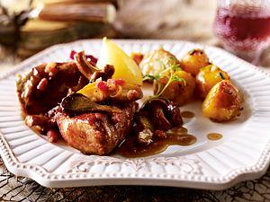 Rehmedaillons mit gemischten Pilzen & Weinschmorkartoffeln Rezept