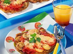 Reibekuchen-Pizza mit Salami und Champignons Rezept