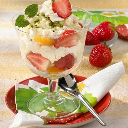 Reis Trauttmansdorff mit Erdbeeren und Aprikosenspalten Rezept