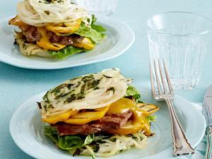 Reisnudel-Puffer mit Rinderminutensteaks und gegrillten Zucchini Rezept