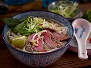 Reisnudelsuppe mit Rindfleisch Rezept