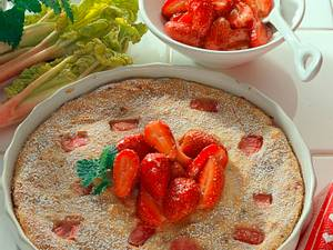 Rhabarber-Quarkauflauf mit Erdbeeren Rezept