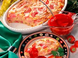 Rhabarbermichel mit Erdbeersoße Rezept