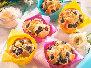 Riesen-Heidelbeermuffins mit Eierlikörsahne Rezept