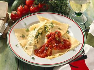 Riesenravioli mit Ricotta-Zucchini-Füllung Rezept