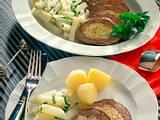 Riesenroulade gefüllt mit Möhren und Frischkäse Rezept