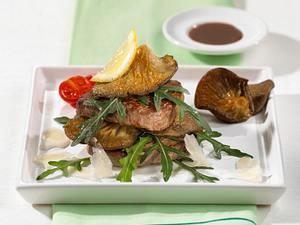 Rinderfilet auf Rucola-Salat mit feinem Parmesan Rezept