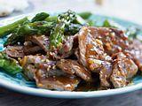 Rinderfilet in Sichuan-Pfeffersoße mit grünem Spargel Rezept