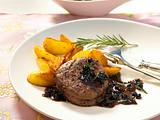 Rinderfilet mit Heidelbeer-Balsamico-Soße (mit Champignons) Rezept