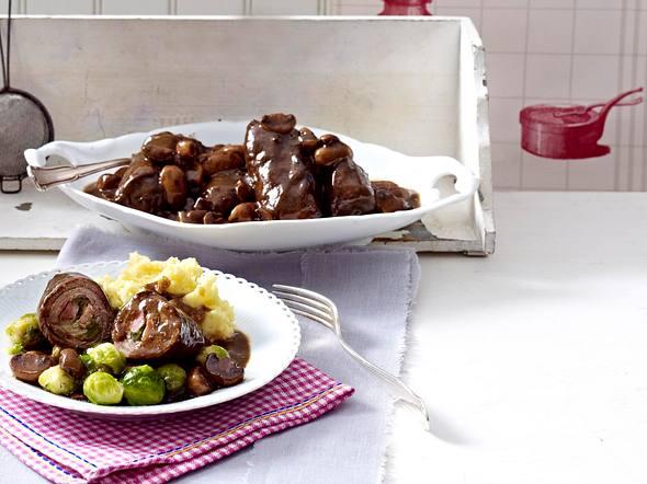 Rinderrouladen mit Kartoffelpüree und Rosenkohl Rezept