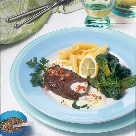 Rindfleisch mit Meerrettichsoße und Spinat Rezept